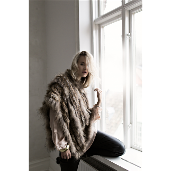 1Millie Fur Poncho Natural.jpg