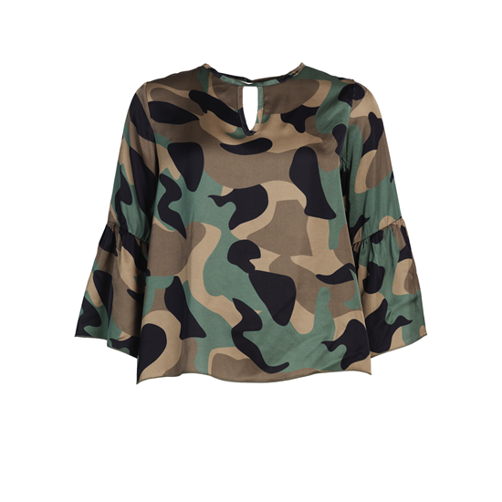 Lupina_blouse_green_camo_frontrow a.jpg