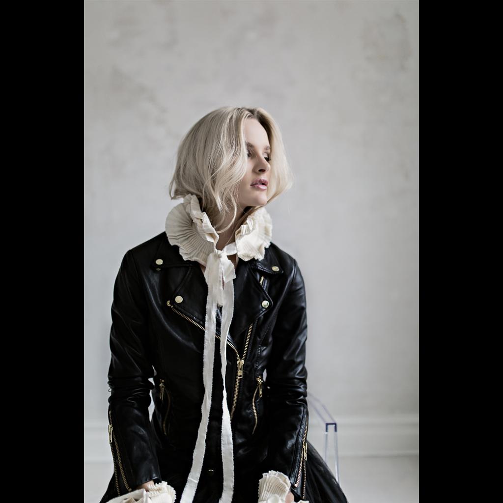 Black + Gold Bikery jacket | Frontrow Living | Läderjackor